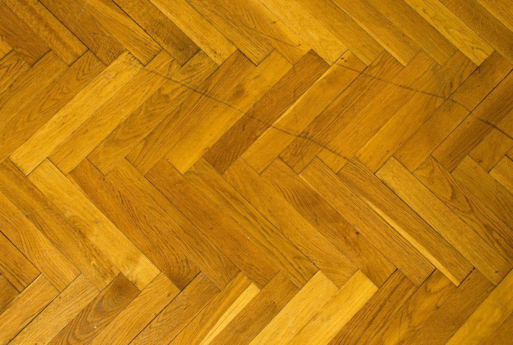So vermeiden Sie Kratzer auf Bodenbelägen – 7 Tipps zum Fußbodenschutz