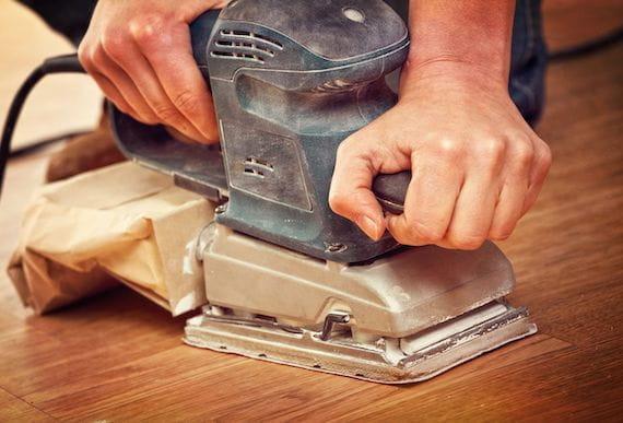Schleifmaschine zur Aufbereitung des Parketts