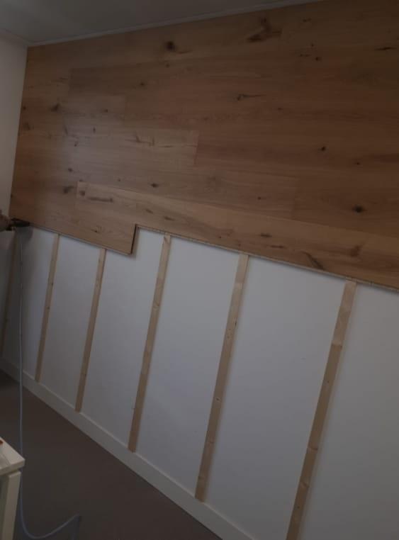Wand mit Unterkonstruktion