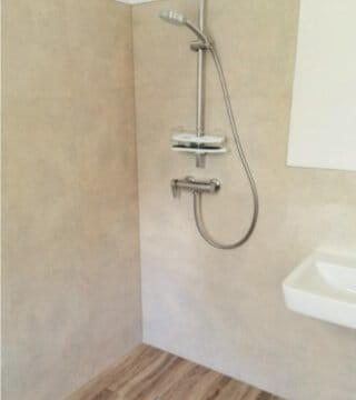 Vinyl-badezimmer-dusche