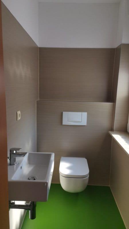 Linoleum an der Toilette
